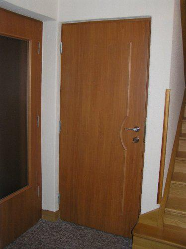 Naše bydleníčko - Pod stromeček jsme si nadělili nové dveře na spodním patře*