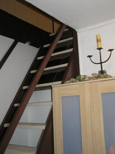 Naše bydleníčko - Schody do ložnice