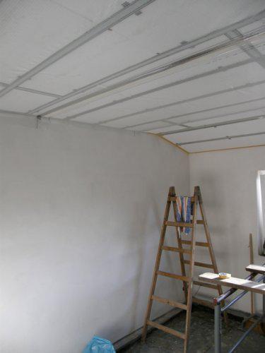 Naše bydleníčko - 11.10. Máme nahozené stěny a zateplený strop ...