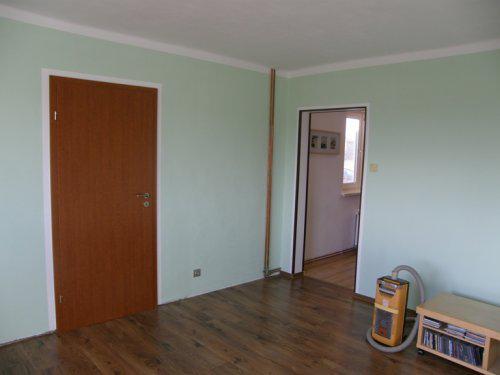 Naše bydleníčko - 29.10. Nové dveře z obýváku do ložnice a nově vymalováno