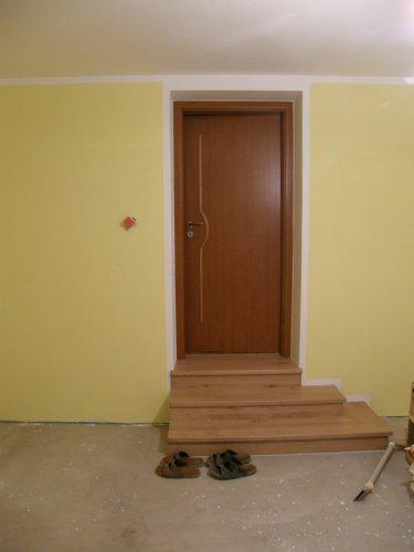 Naše bydleníčko - Dveře do obýváčku a nové schůdky