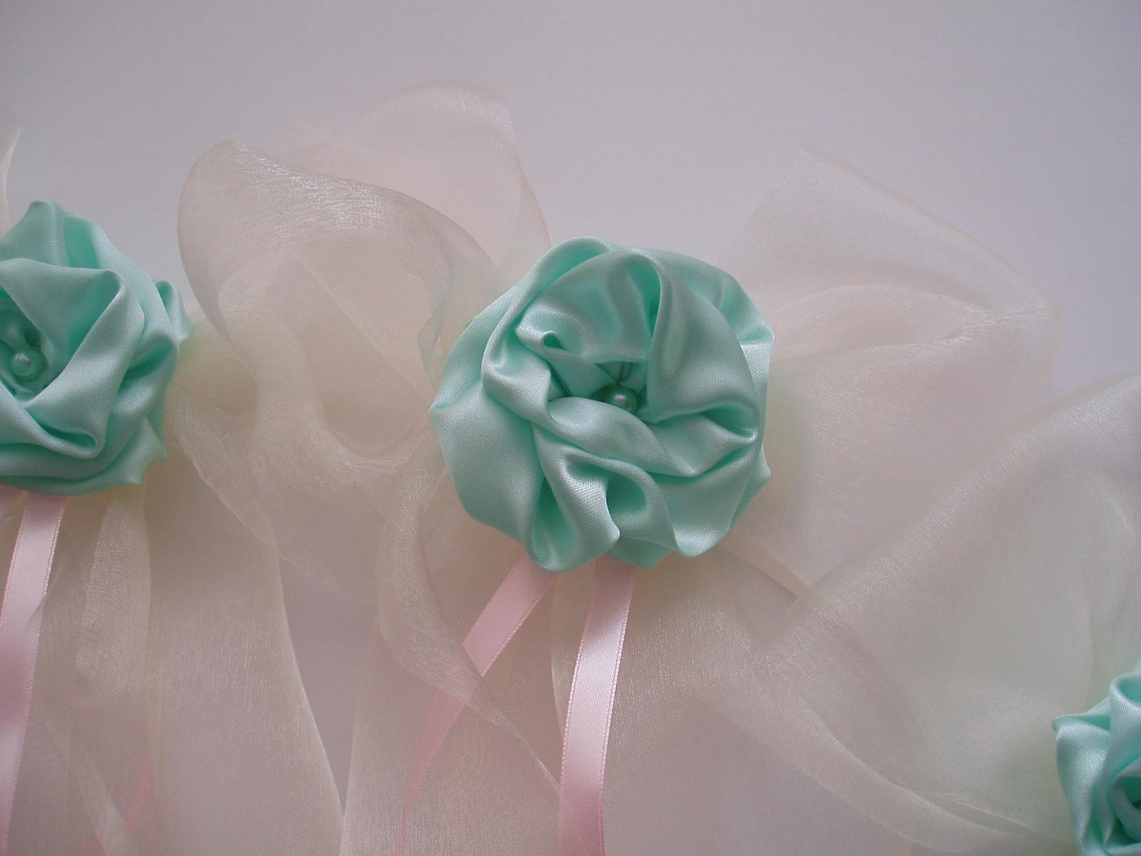 Svatební dekorace - mašle na zrcátka-mint