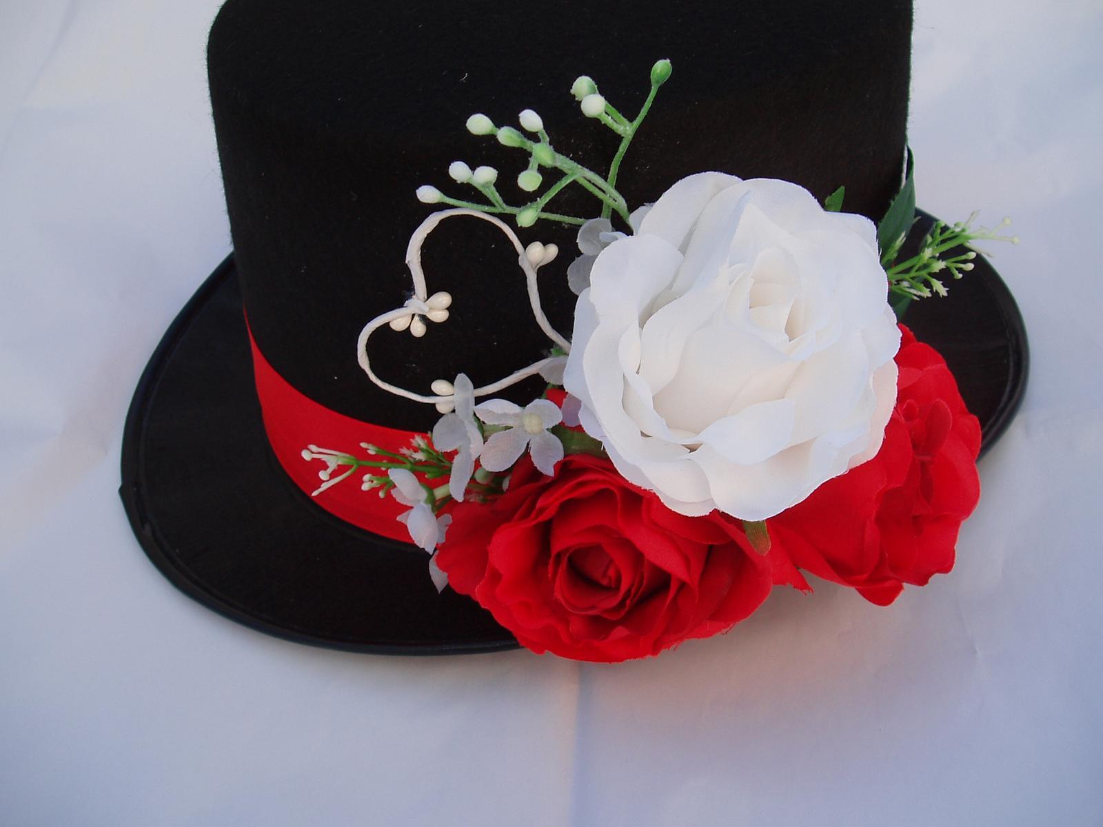 Svatební dekorace - cylindr-červená