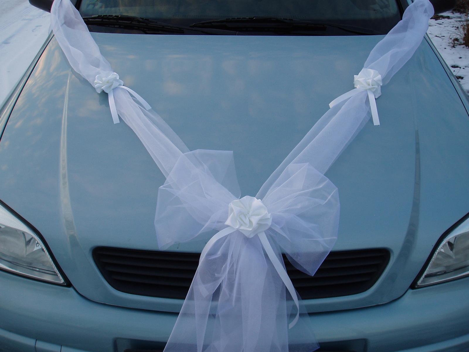 Svatební dekorace - šerpa na auto-bílá