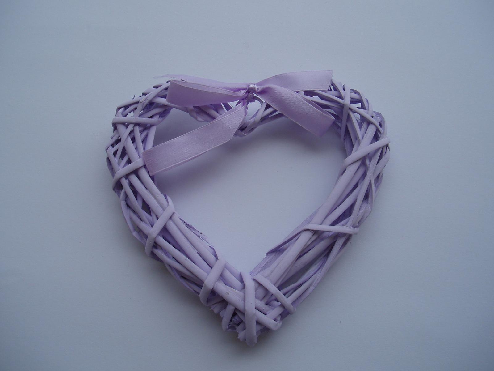 Svatební dekorace - srdce-lila