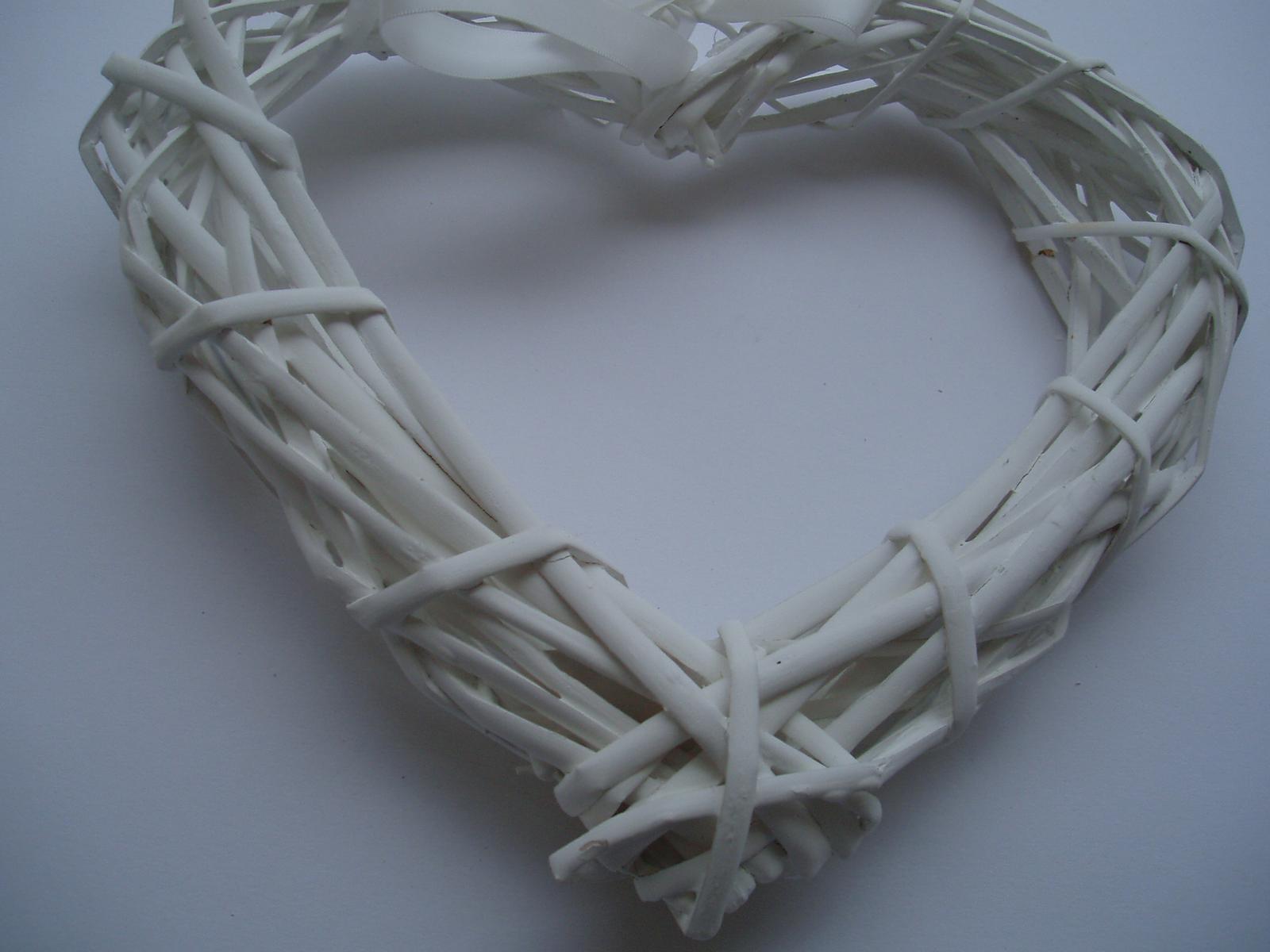Svatební dekorace - srdce bílé