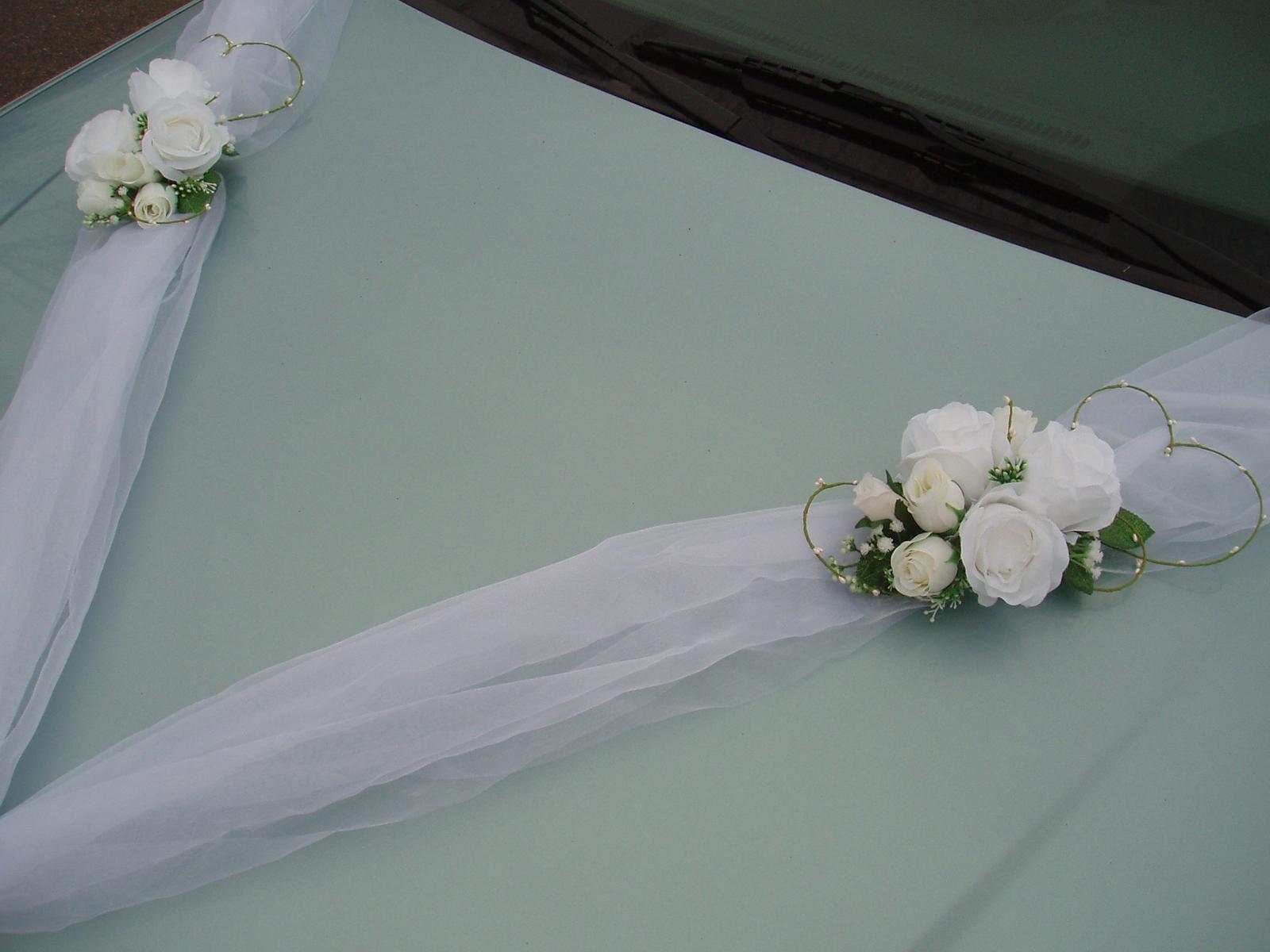 Svatební dekorace - bílá šerpa