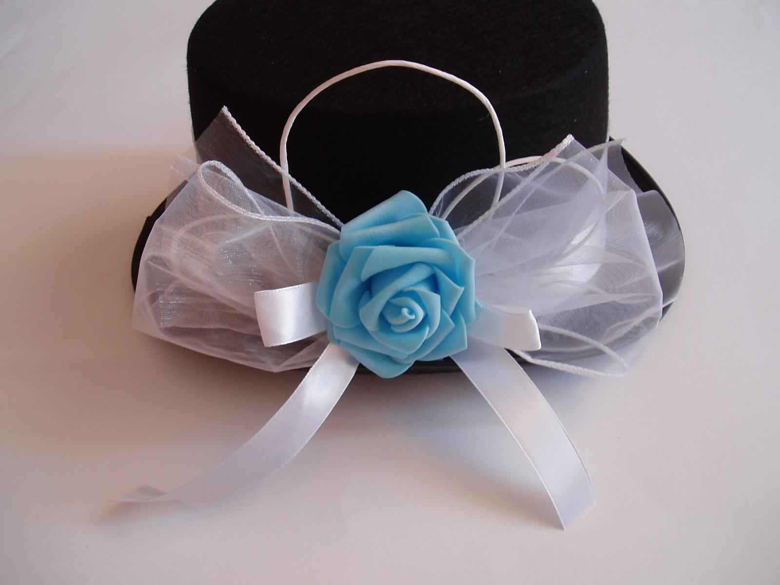 Svatební dekorace - cylindr růže-tyrkysová