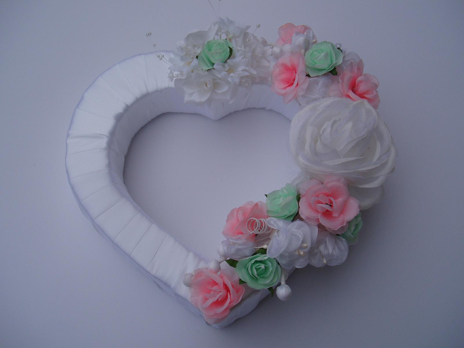 Svatební dekorace - srdce na auto- mint s růžovou
