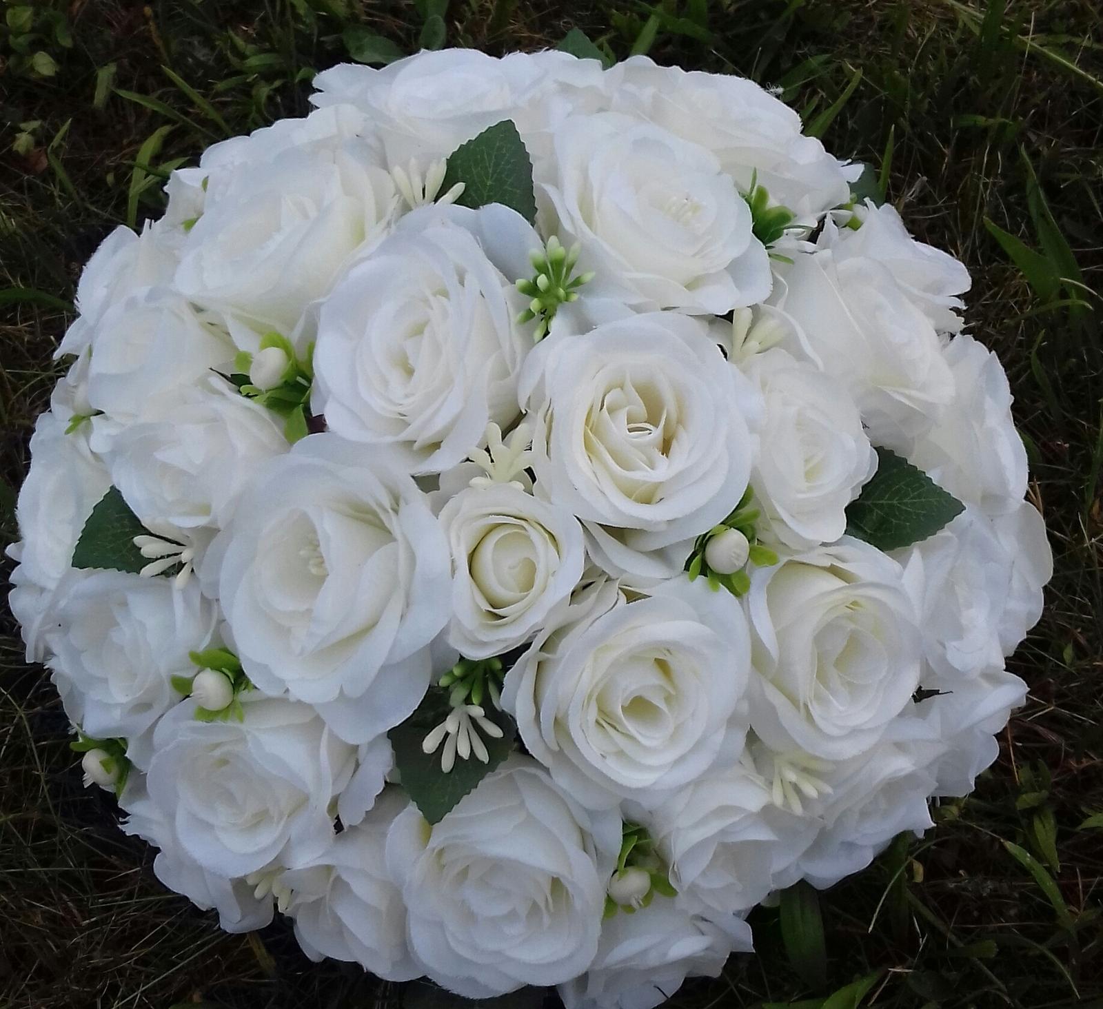 Svatební dekorace - Buket na auto