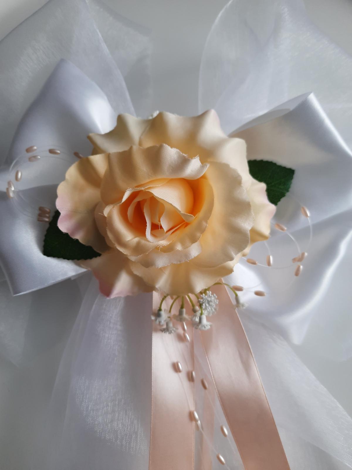 Svatební dekorace - mašle do kostela-lososová