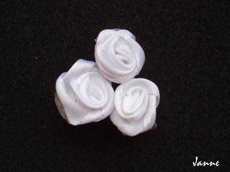 skřipec do vlasů-bílá kytička - Obrázek č. 1