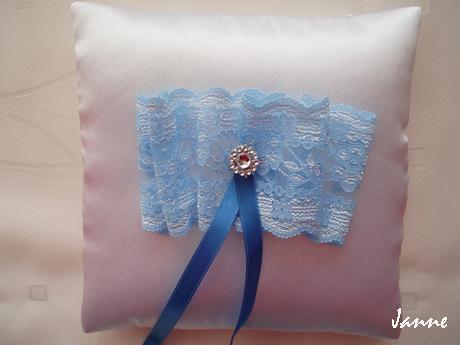 polštářek pod prstýnky-modrá krajka - Obrázek č. 1