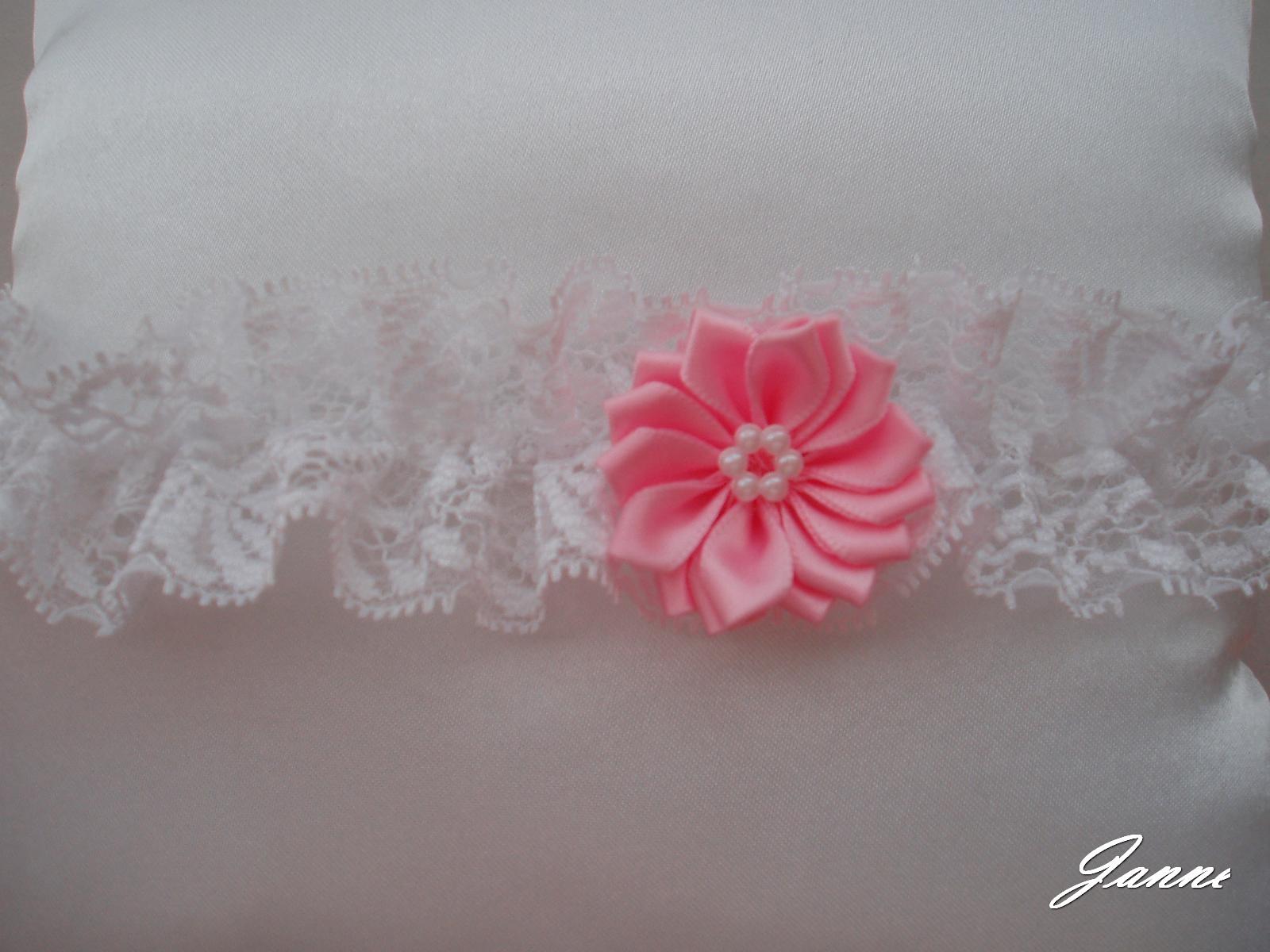krajkový podvazek s kytičkou-růžová (baby) - Obrázek č. 1