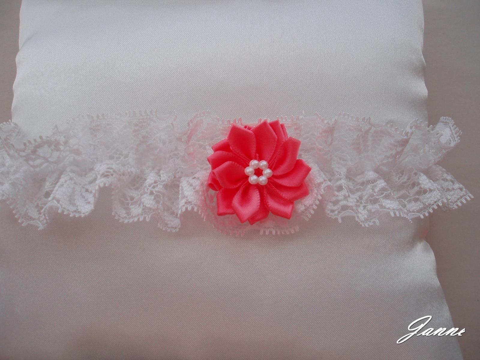krajkový podvazek s kytičkou-růžová (pink) - Obrázek č. 1