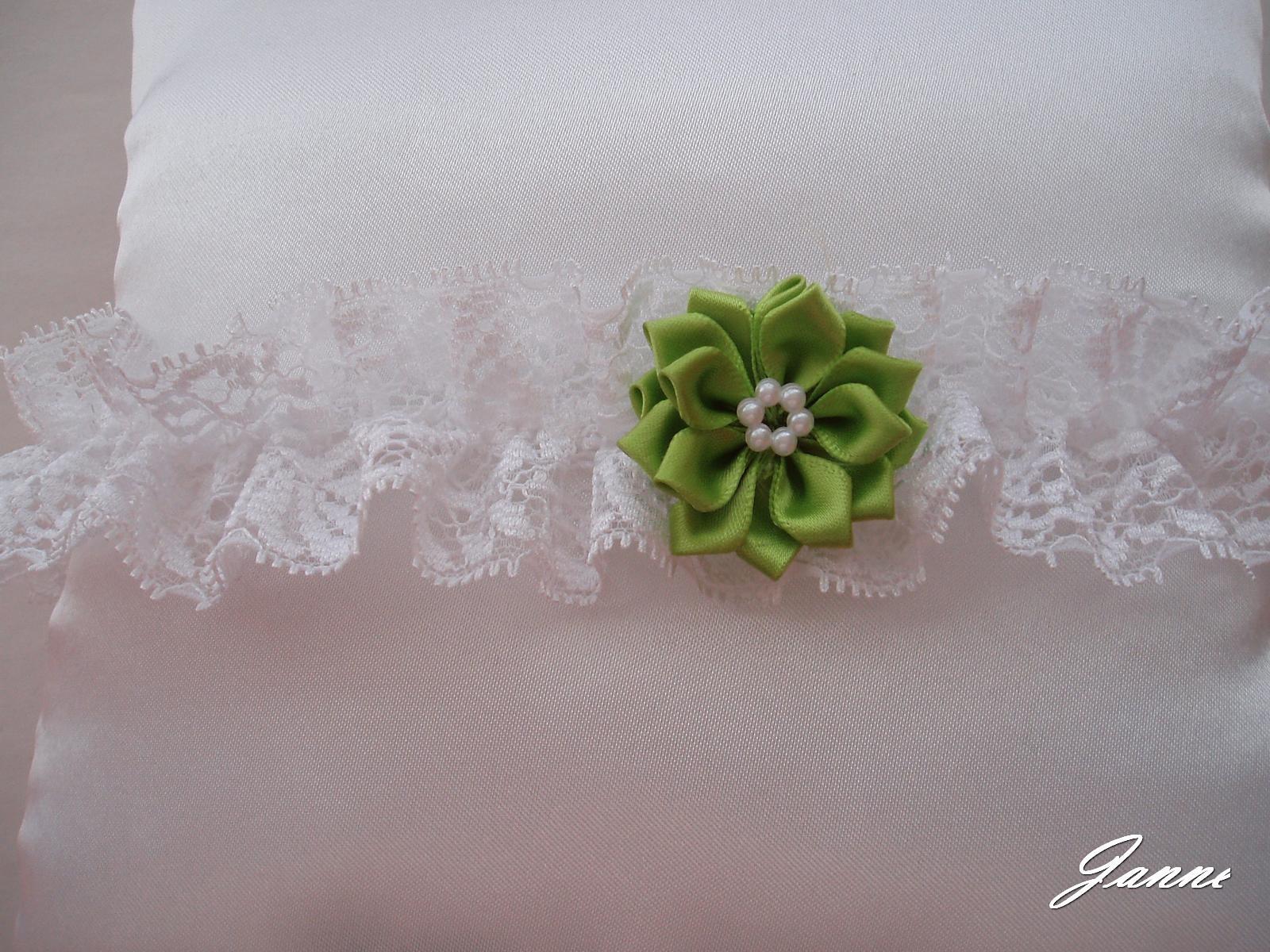 krajkový podvazek s kytičkou-zelená - Obrázek č. 1