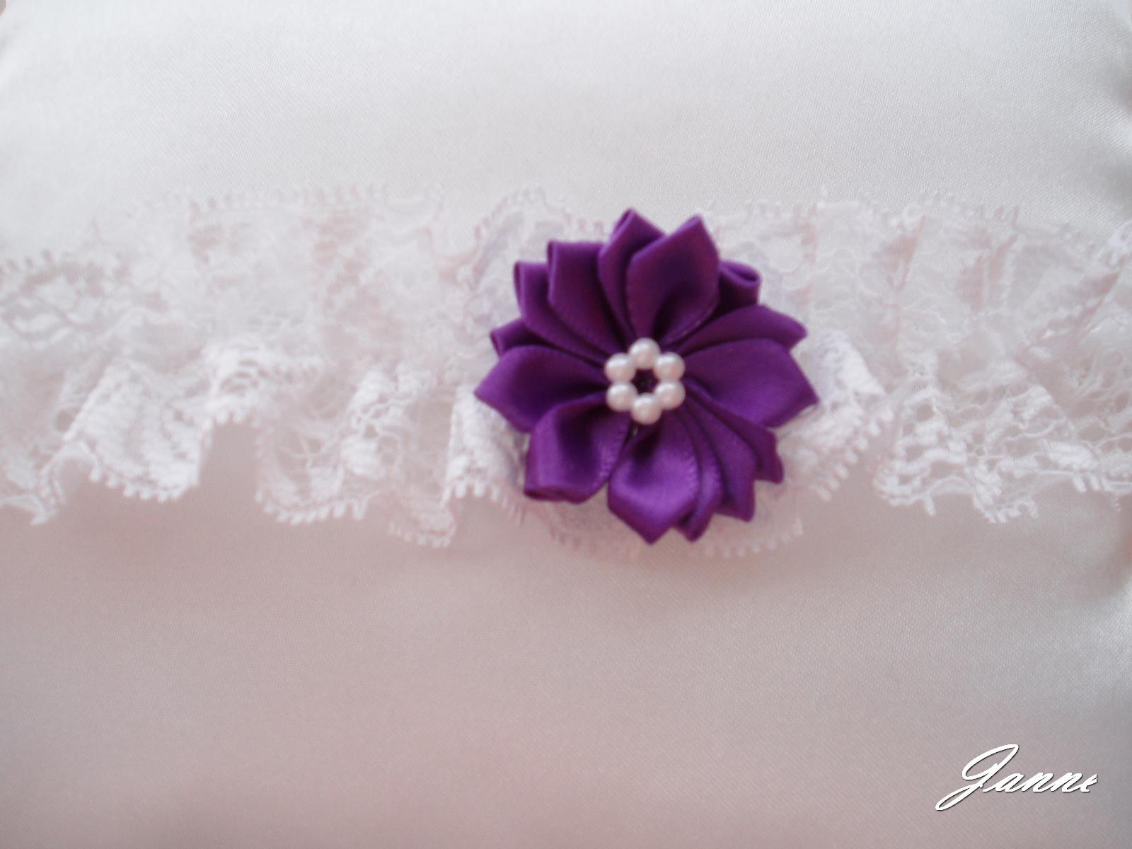 podvazek s kytičkou-fialová - Obrázek č. 1