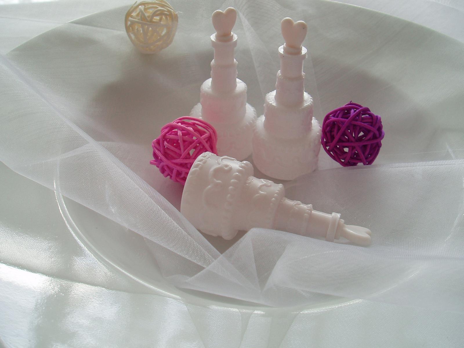 svatební bublifuk-dort - Obrázek č. 2