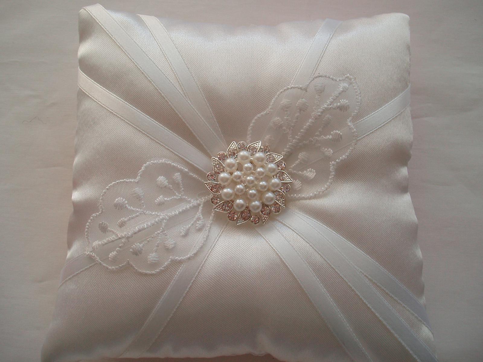 polštářek pod prstýnky-bílá svatba - Obrázek č. 1