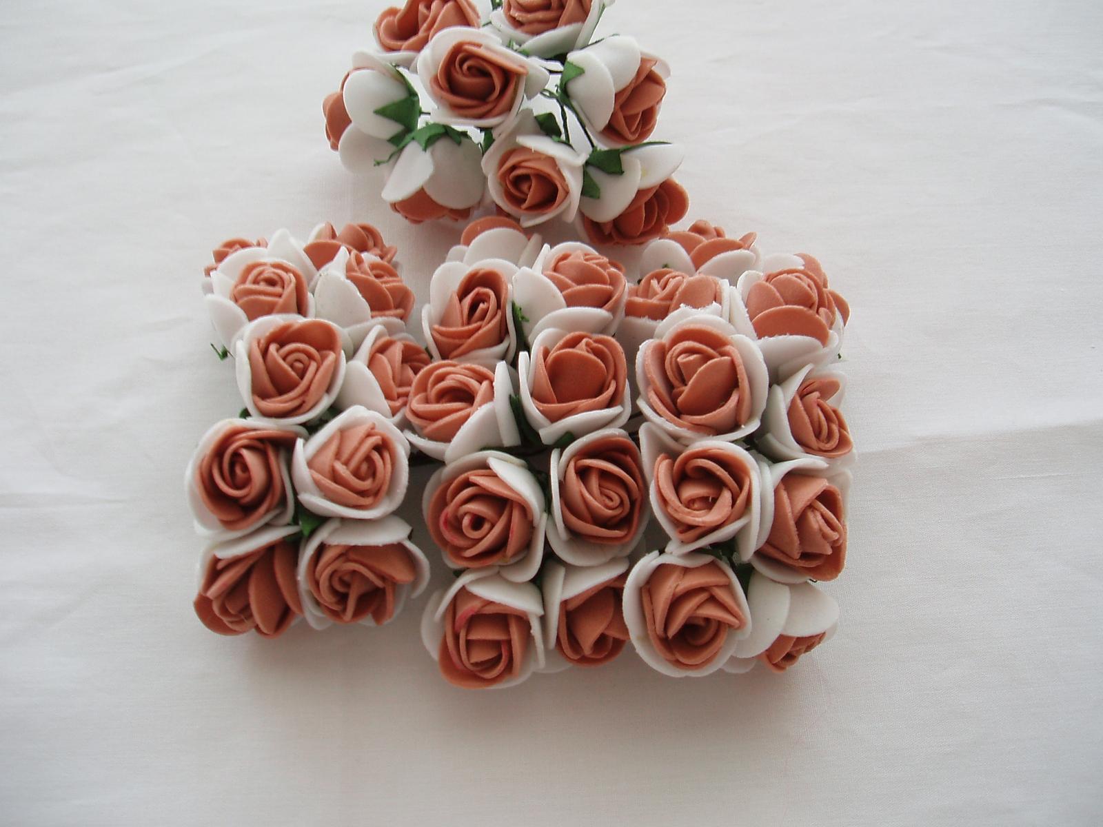 pěnová růžička-hnědá - Obrázek č. 1
