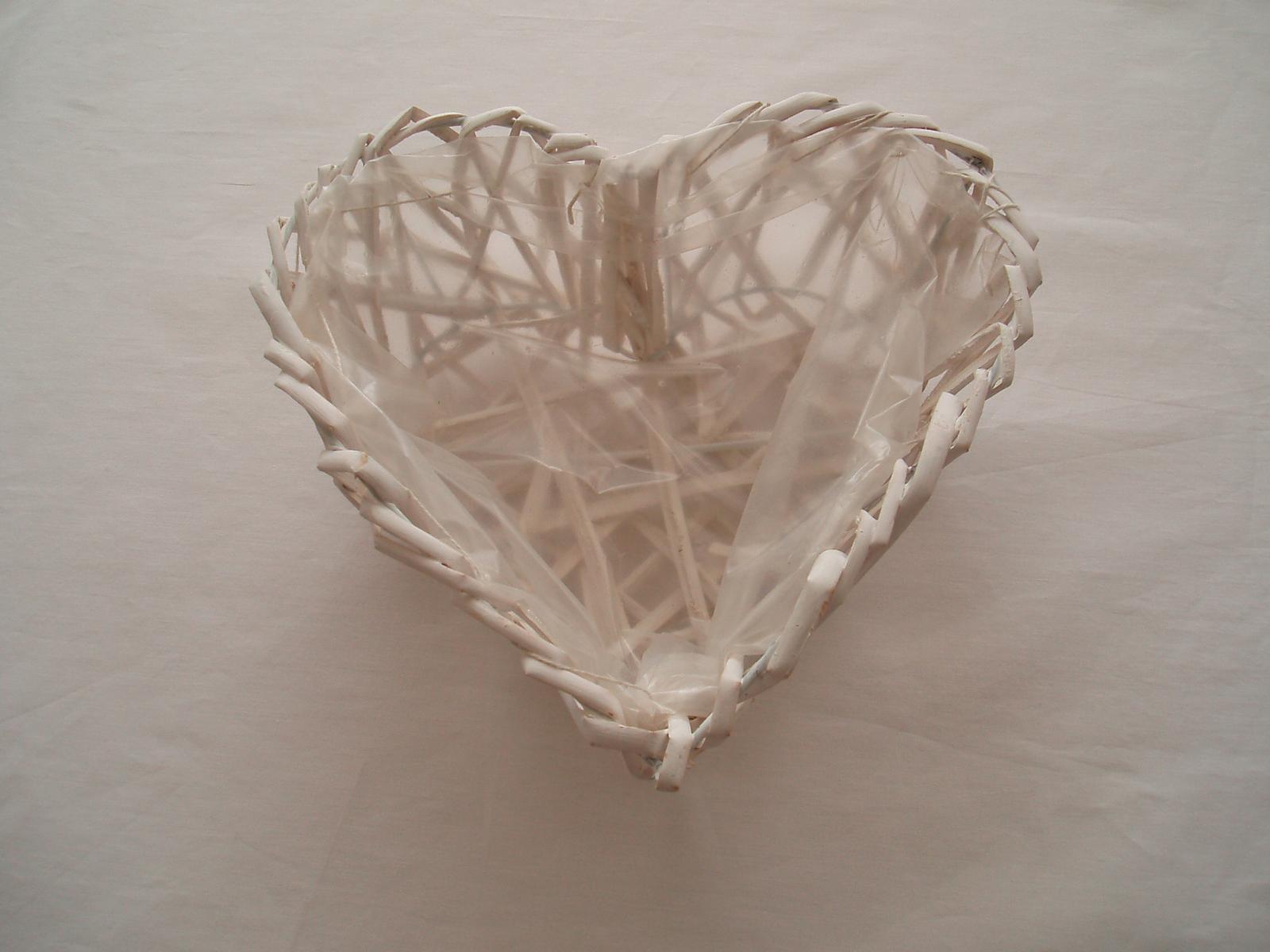 košík-srdce - Obrázek č. 1
