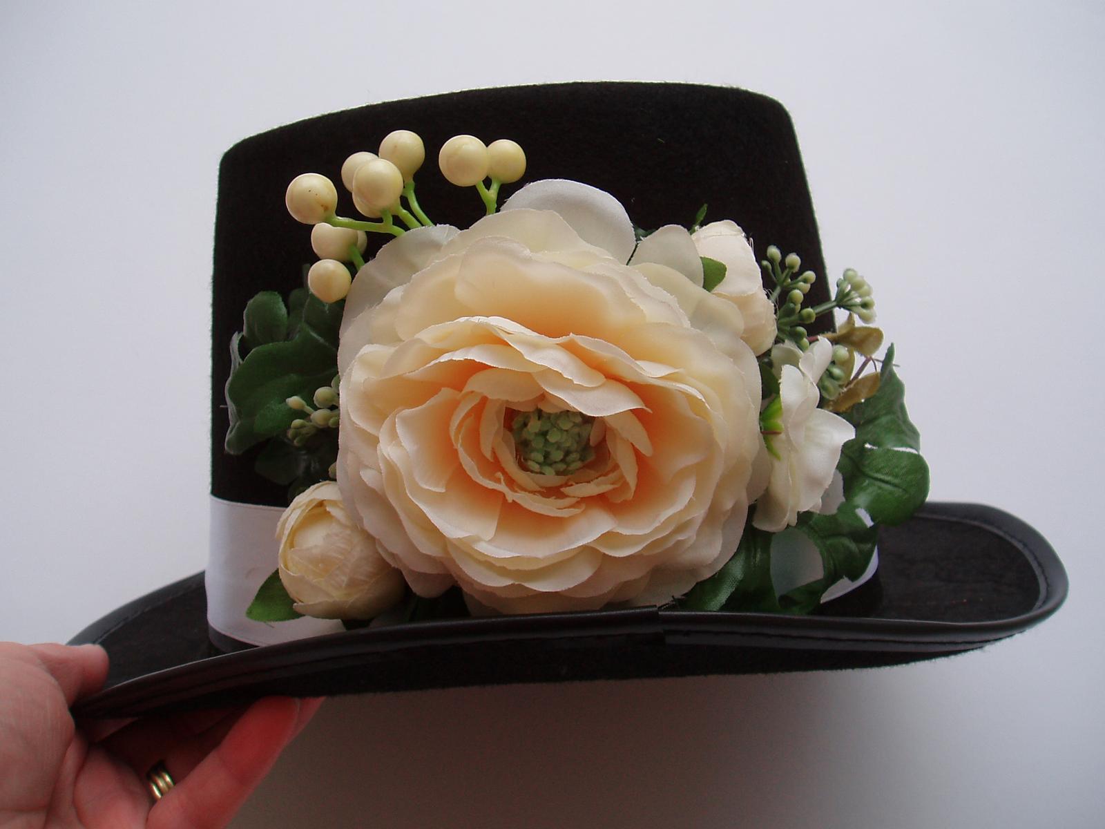 cylindr-květ šampaň - Obrázek č. 1