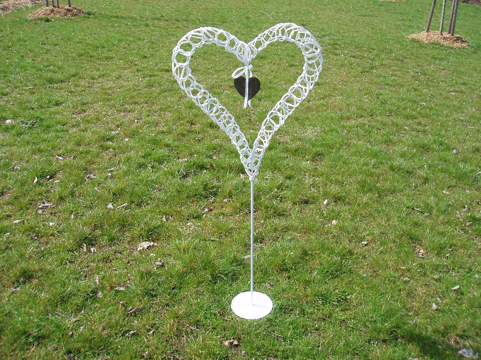 srdce na stojanu - Obrázek č. 1