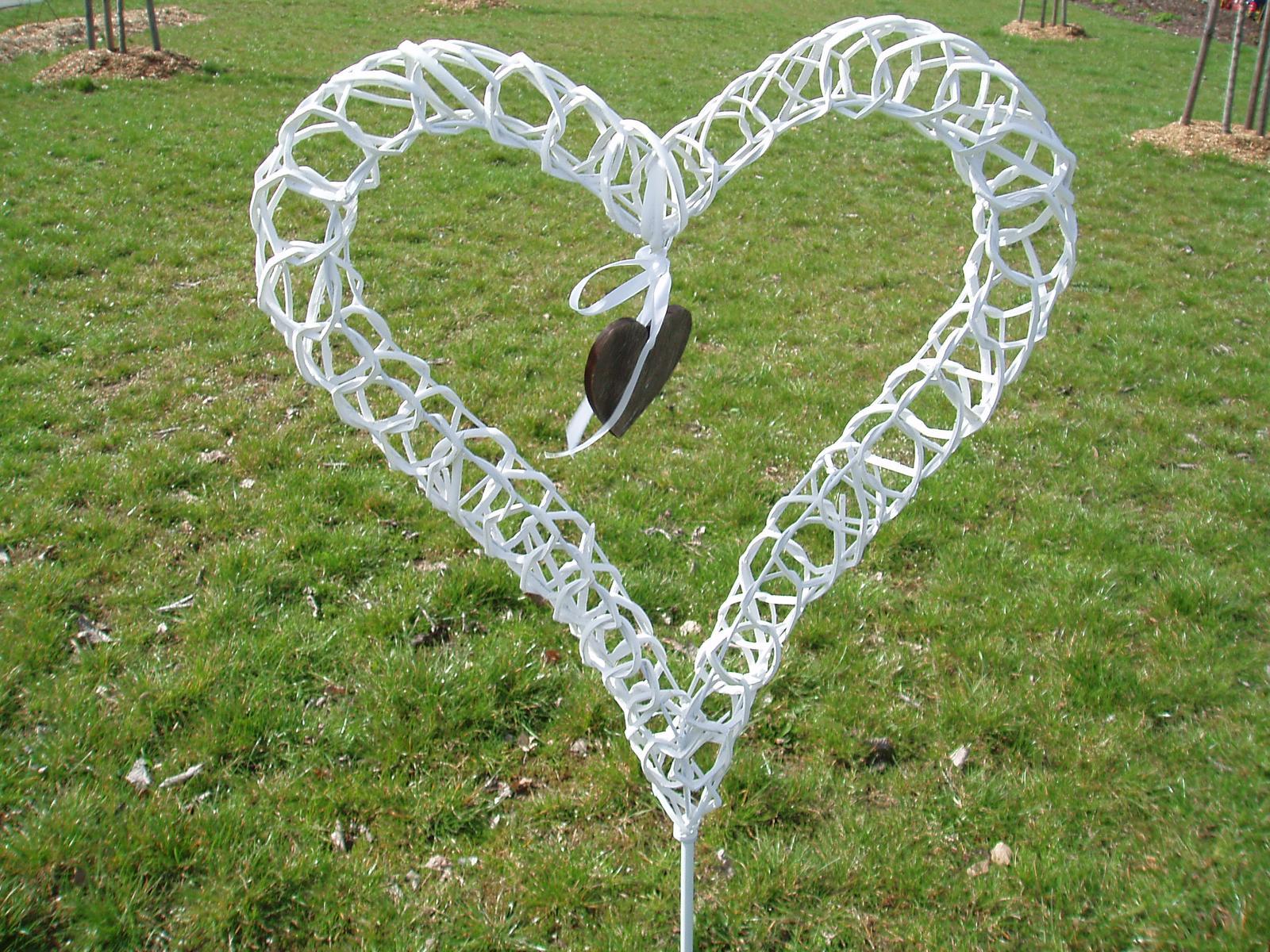 srdce na stojanu - Obrázek č. 3
