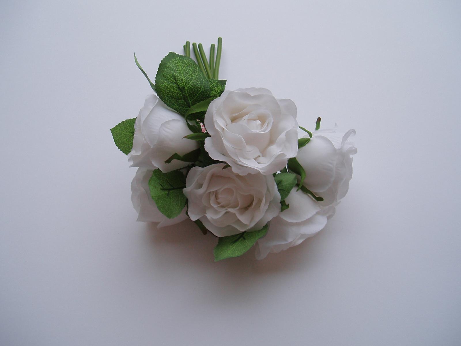 kytice růží bílá 2 - Obrázek č. 1