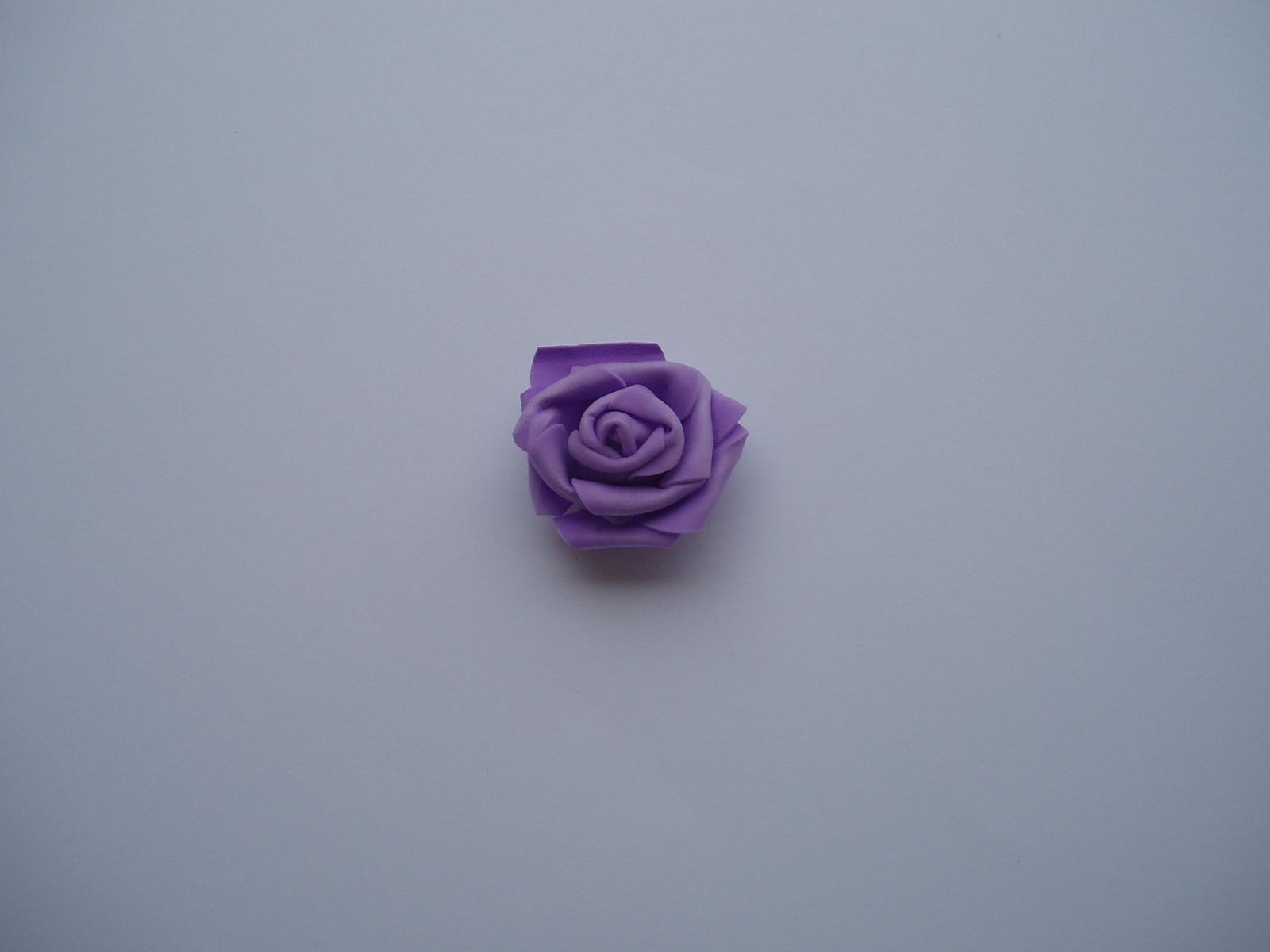 pěnová růže-lila - Obrázek č. 1