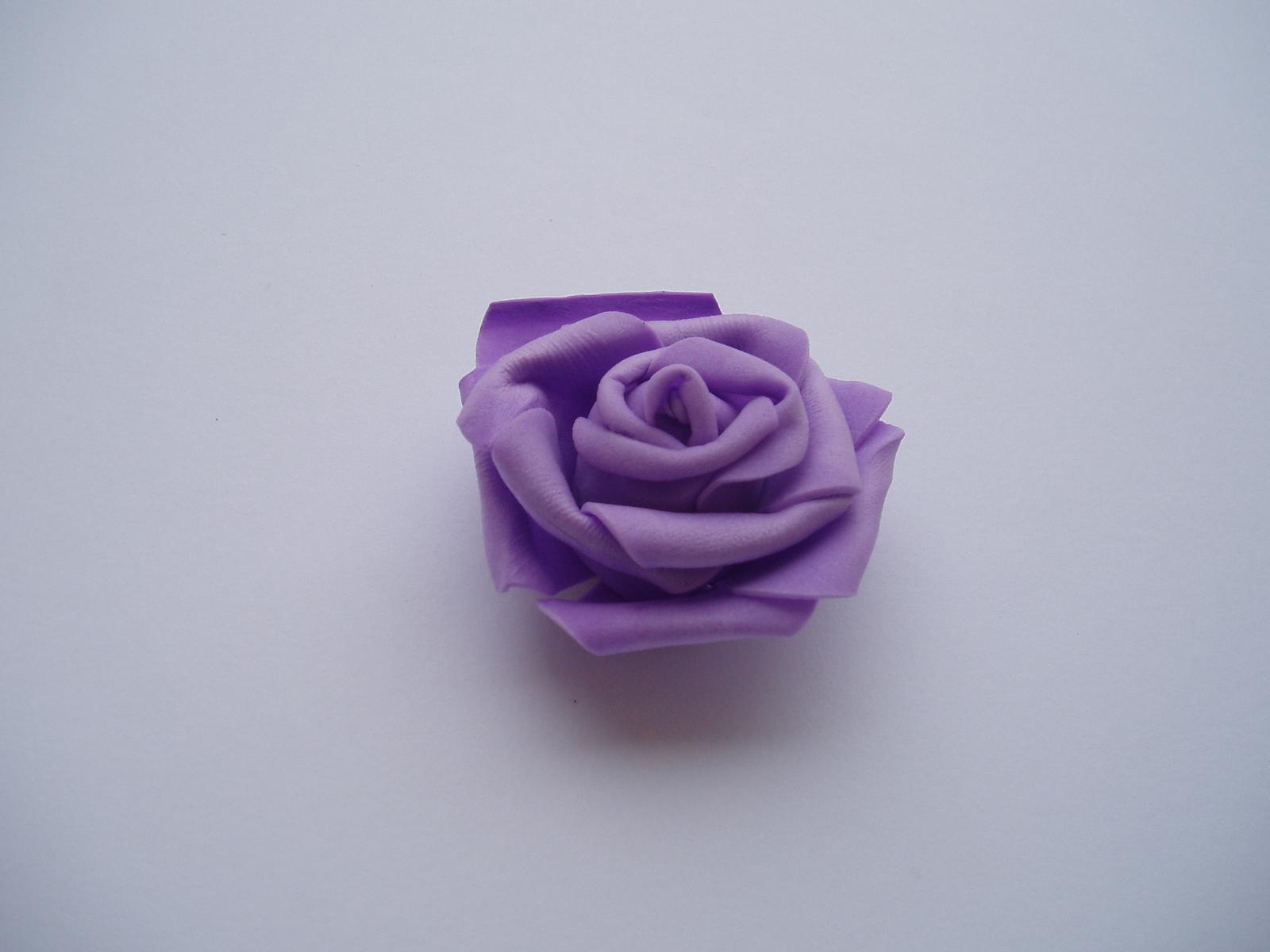 pěnová růže-lila - Obrázek č. 2