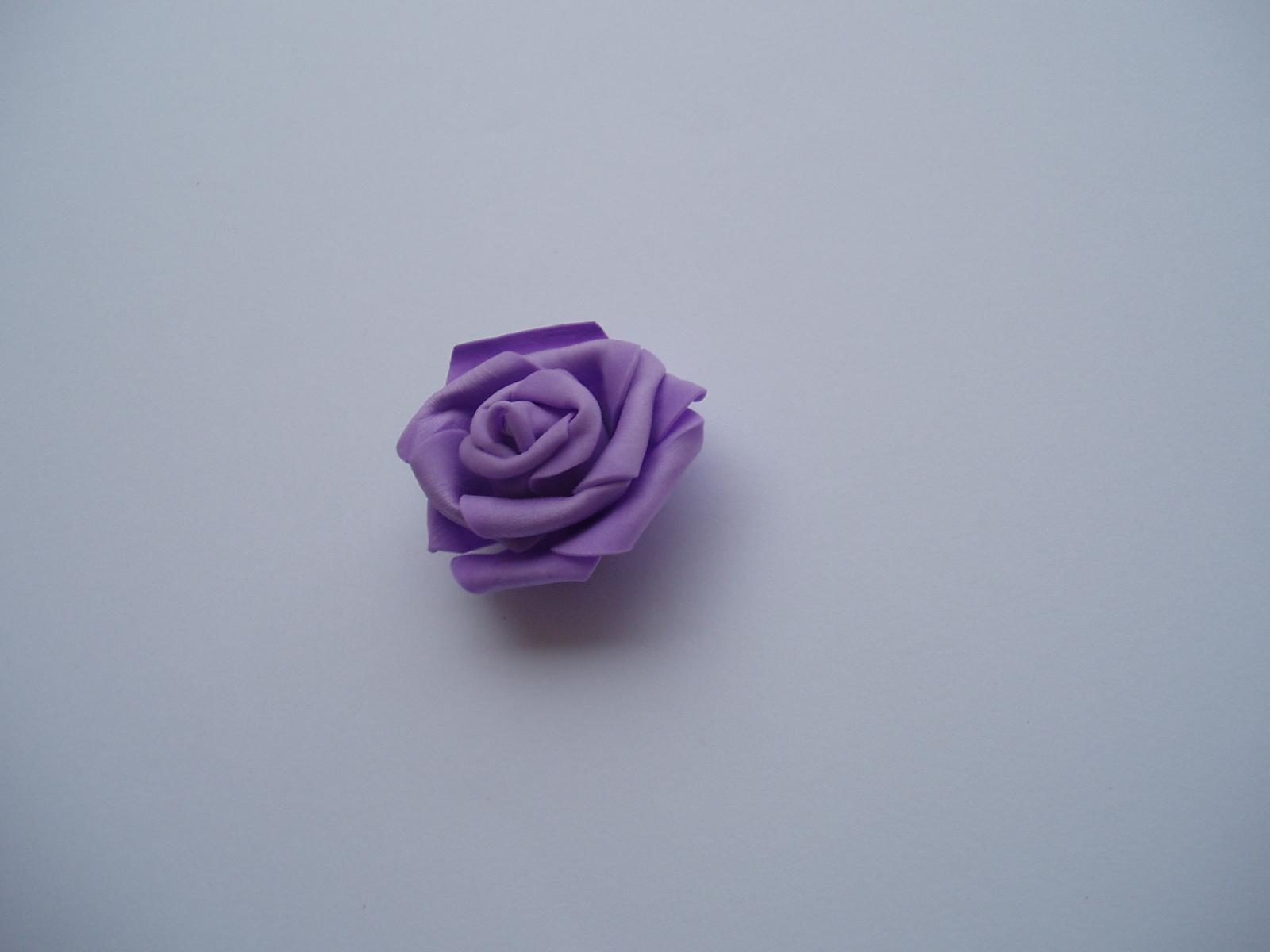 pěnová růže-lila - Obrázek č. 3