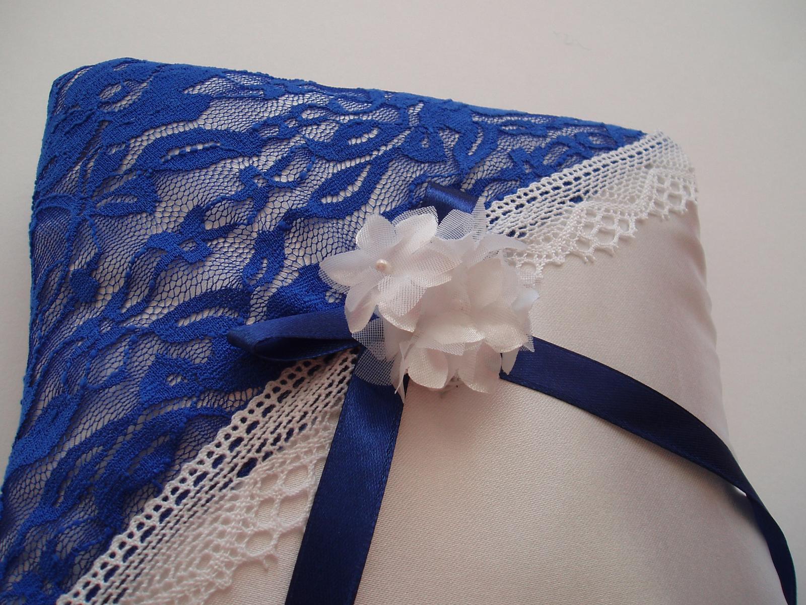 polštářek pod prstýnky modrý-kytička - Obrázek č. 1
