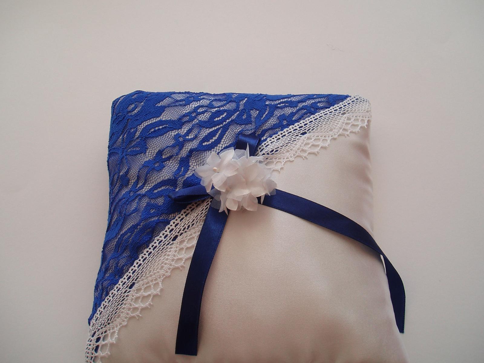 polštářek pod prstýnky modrý-kytička - Obrázek č. 3