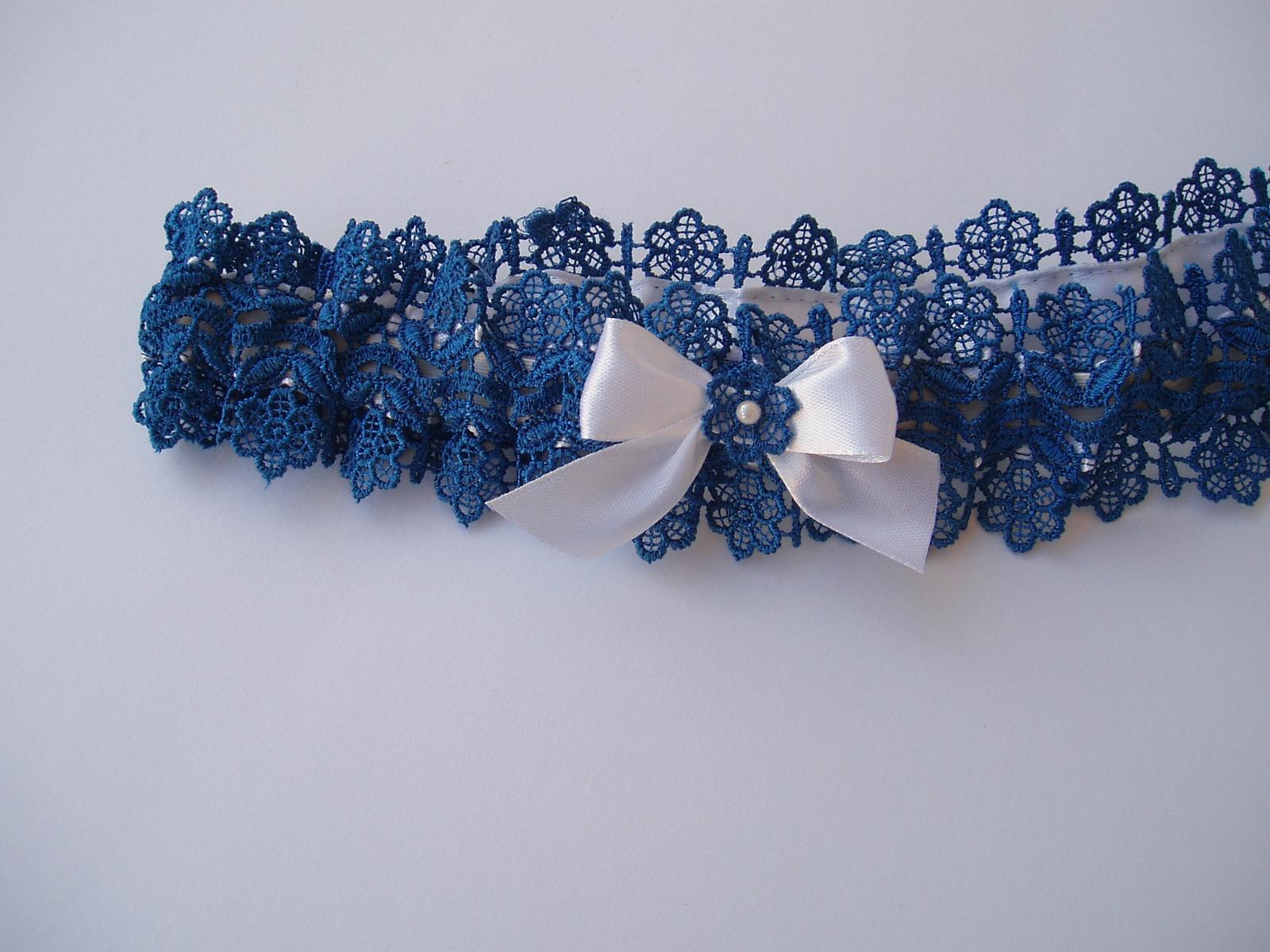 modrý podvazek s mašličkou - Obrázek č. 2