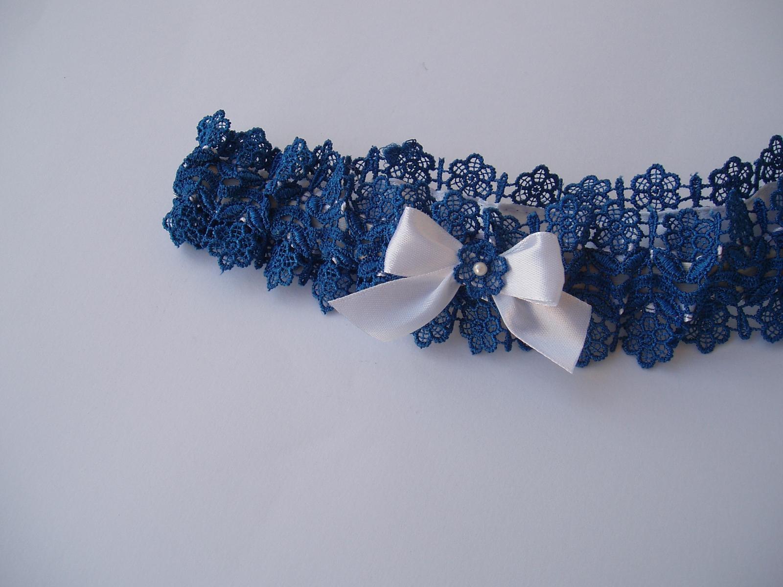 modrý podvazek s mašličkou - Obrázek č. 3