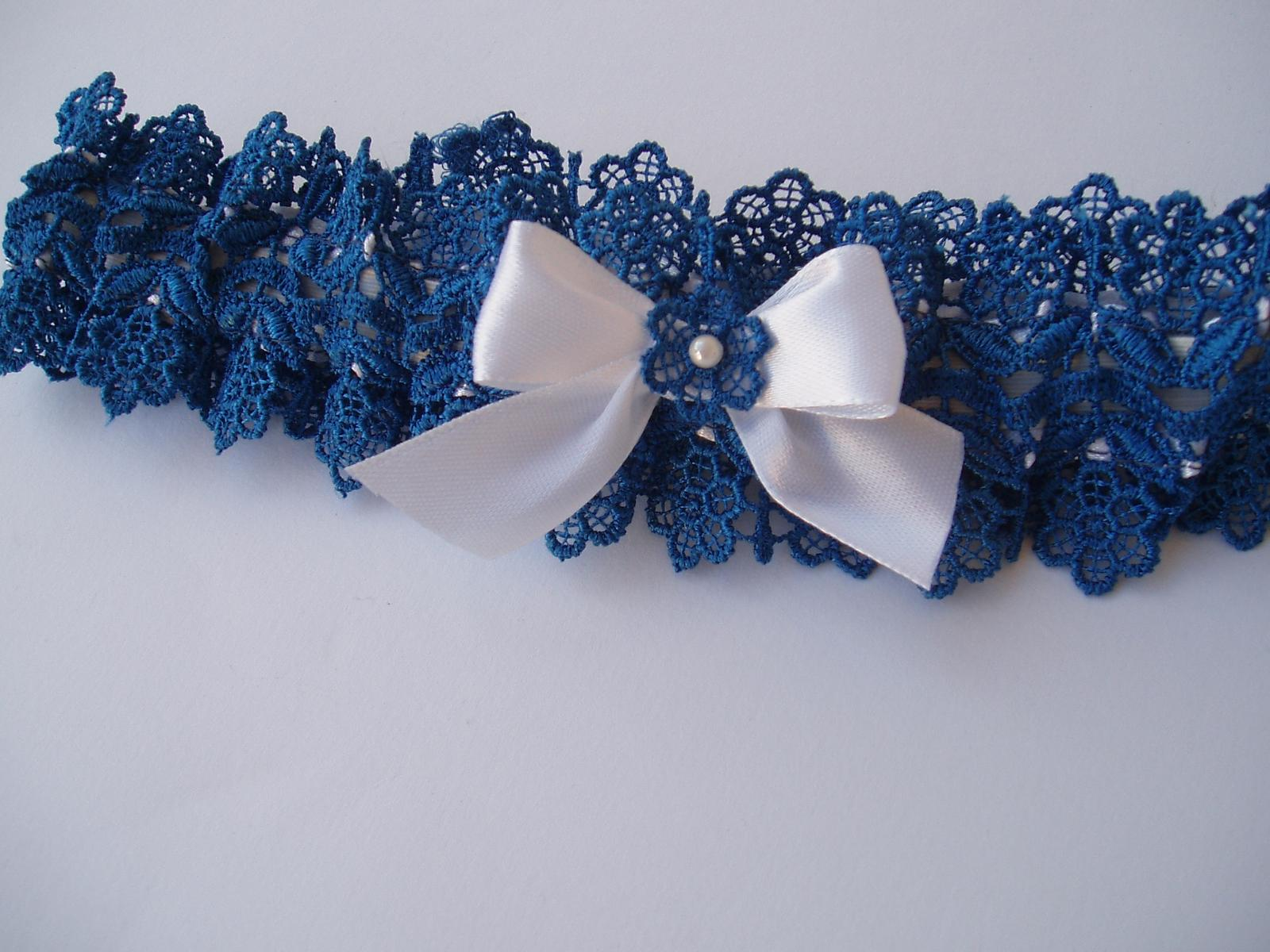 modrý podvazek s mašličkou - Obrázek č. 4