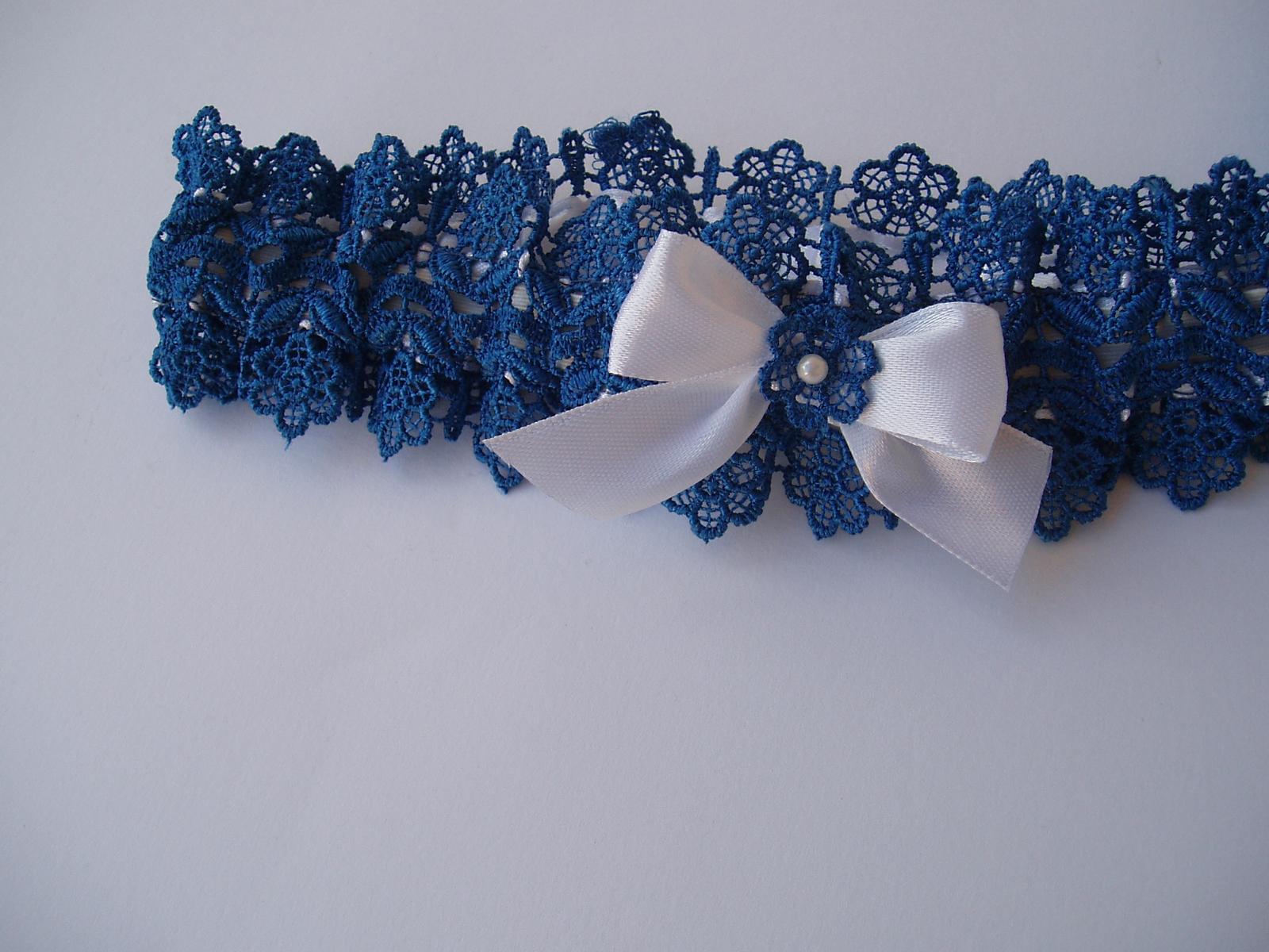 modrý podvazek s mašličkou - Obrázek č. 1
