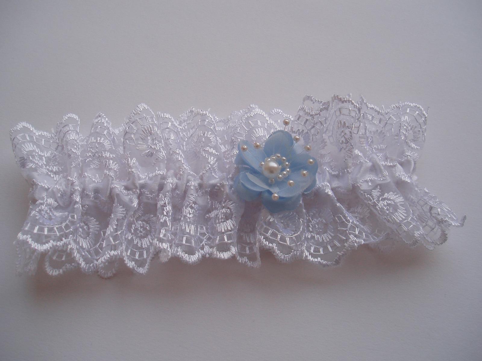 podvazek bílý-modrý květ - Obrázek č. 1