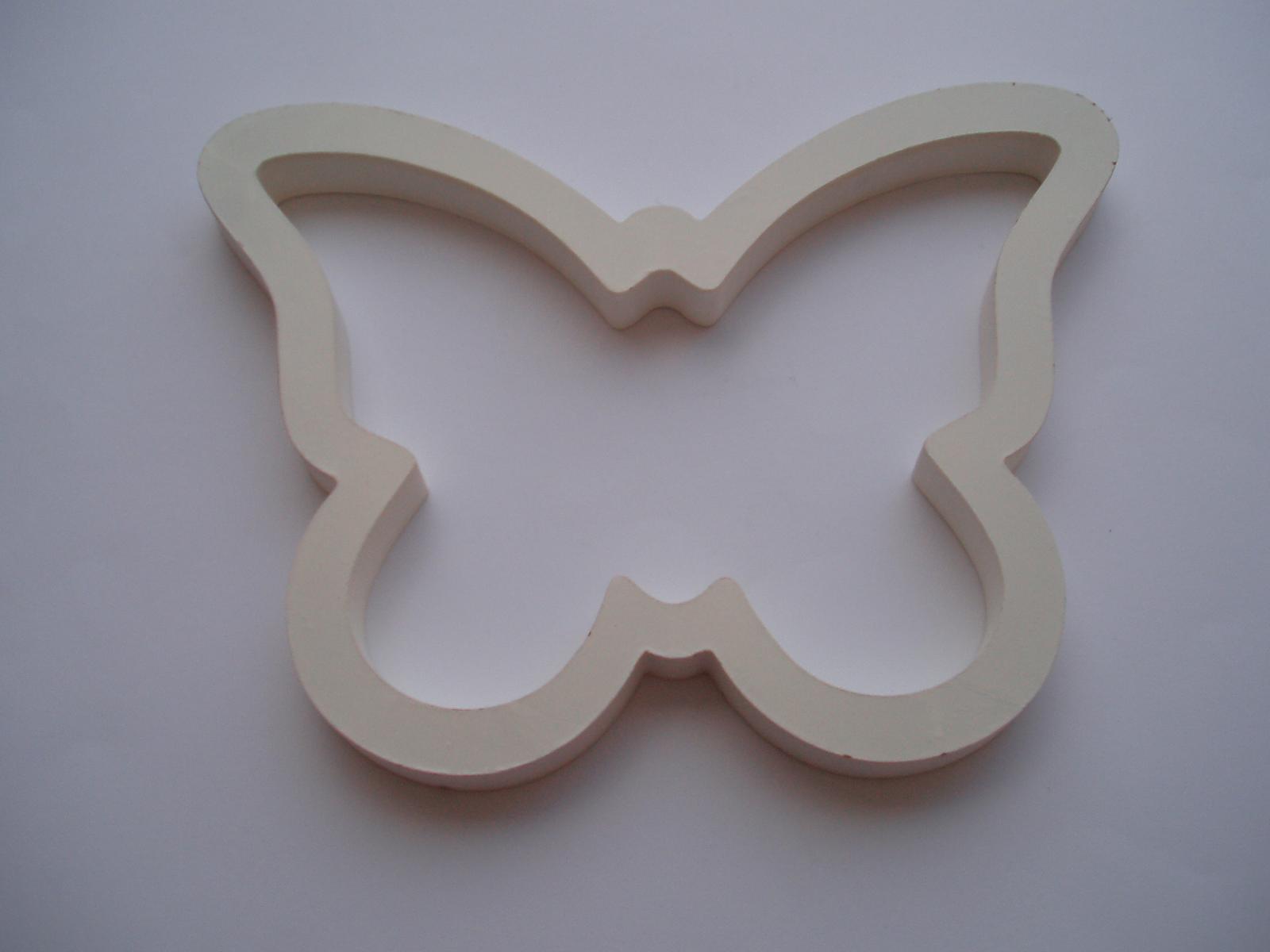dřevěný motýl - Obrázek č. 1