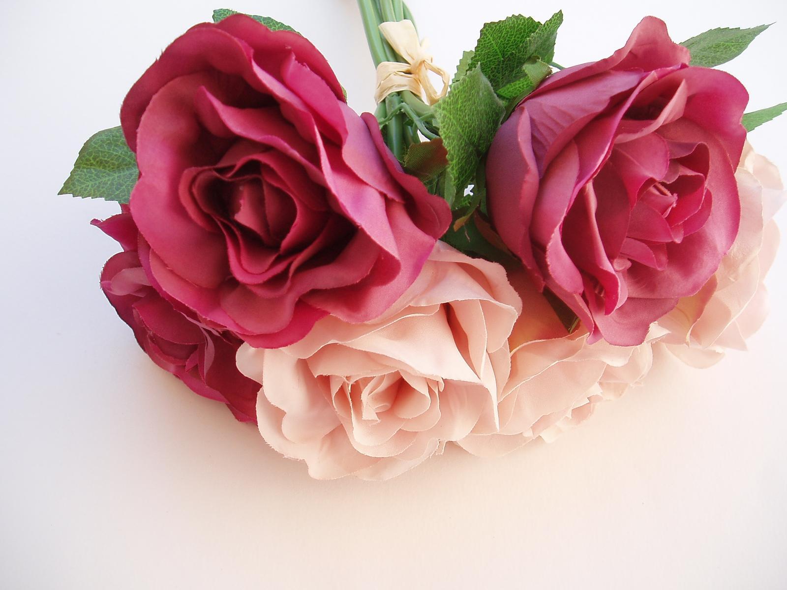 kytice růží - Obrázek č. 1