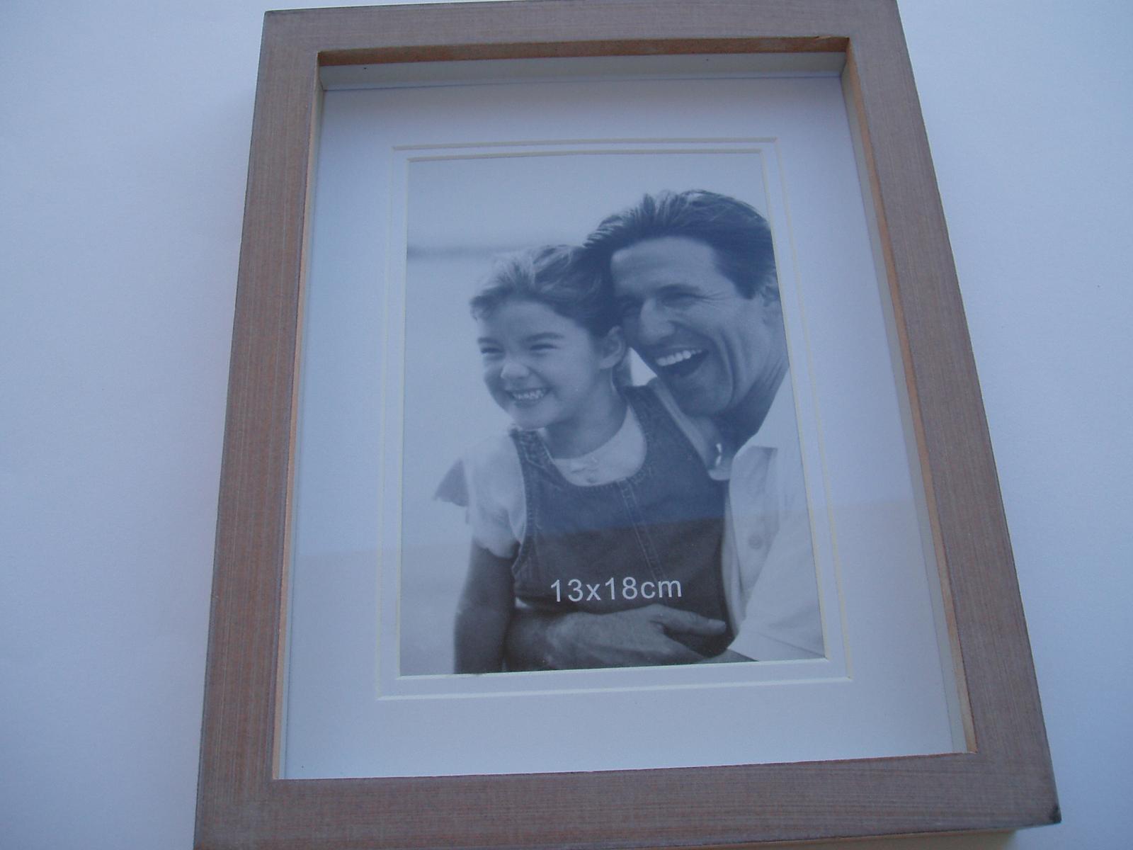 fotorámeček  dřevěný - Obrázek č. 1