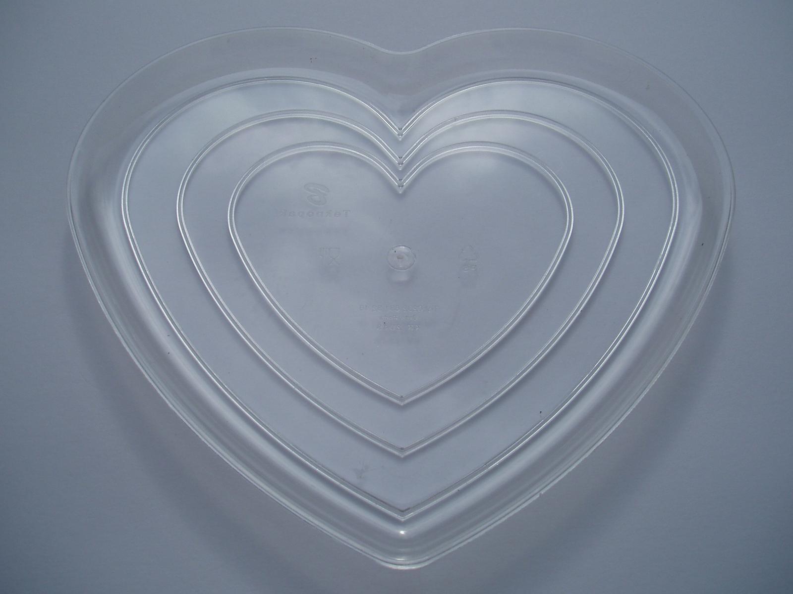 plastový tác srdce - Obrázek č. 1
