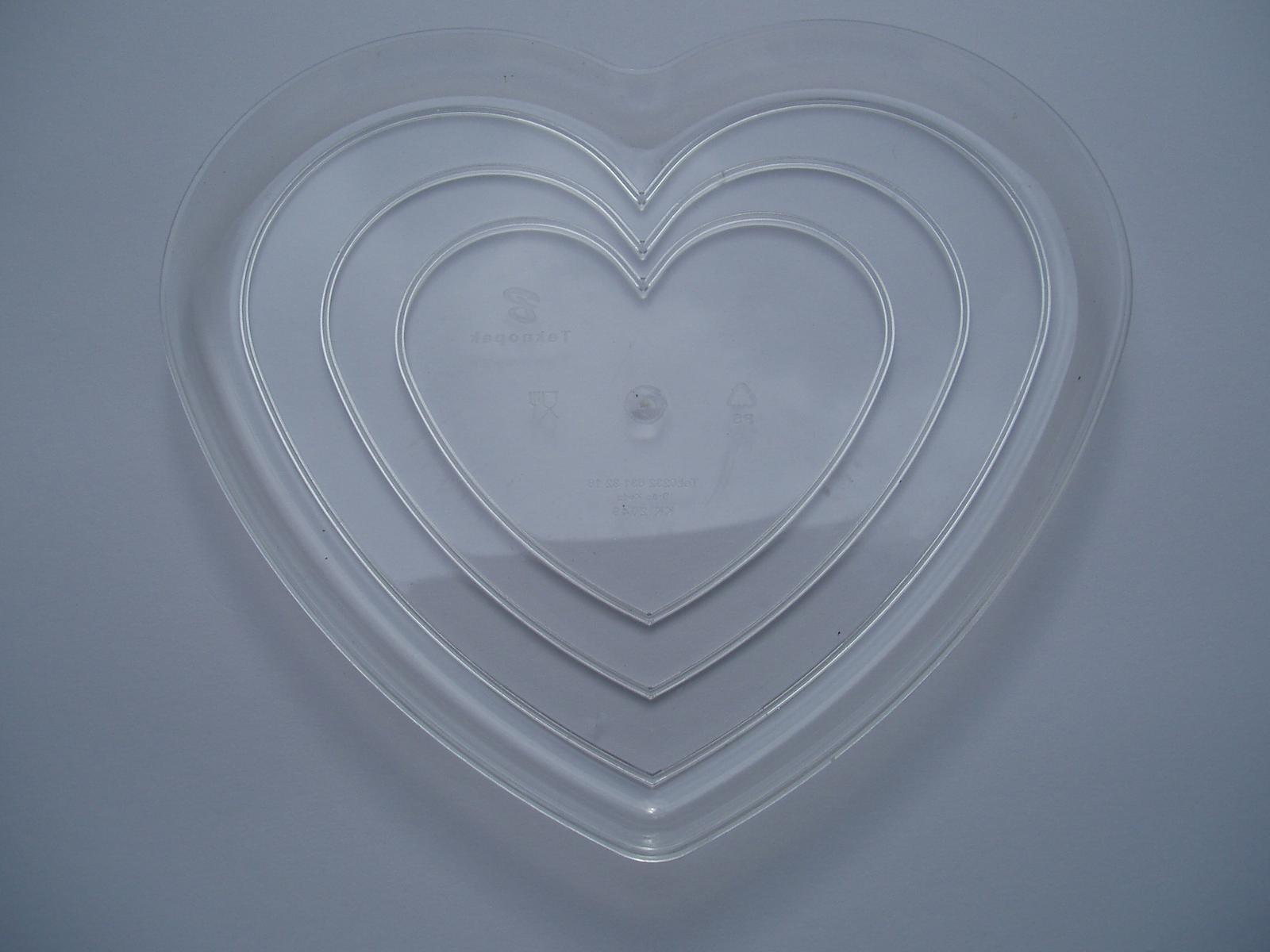 plastový tác srdce - Obrázek č. 2
