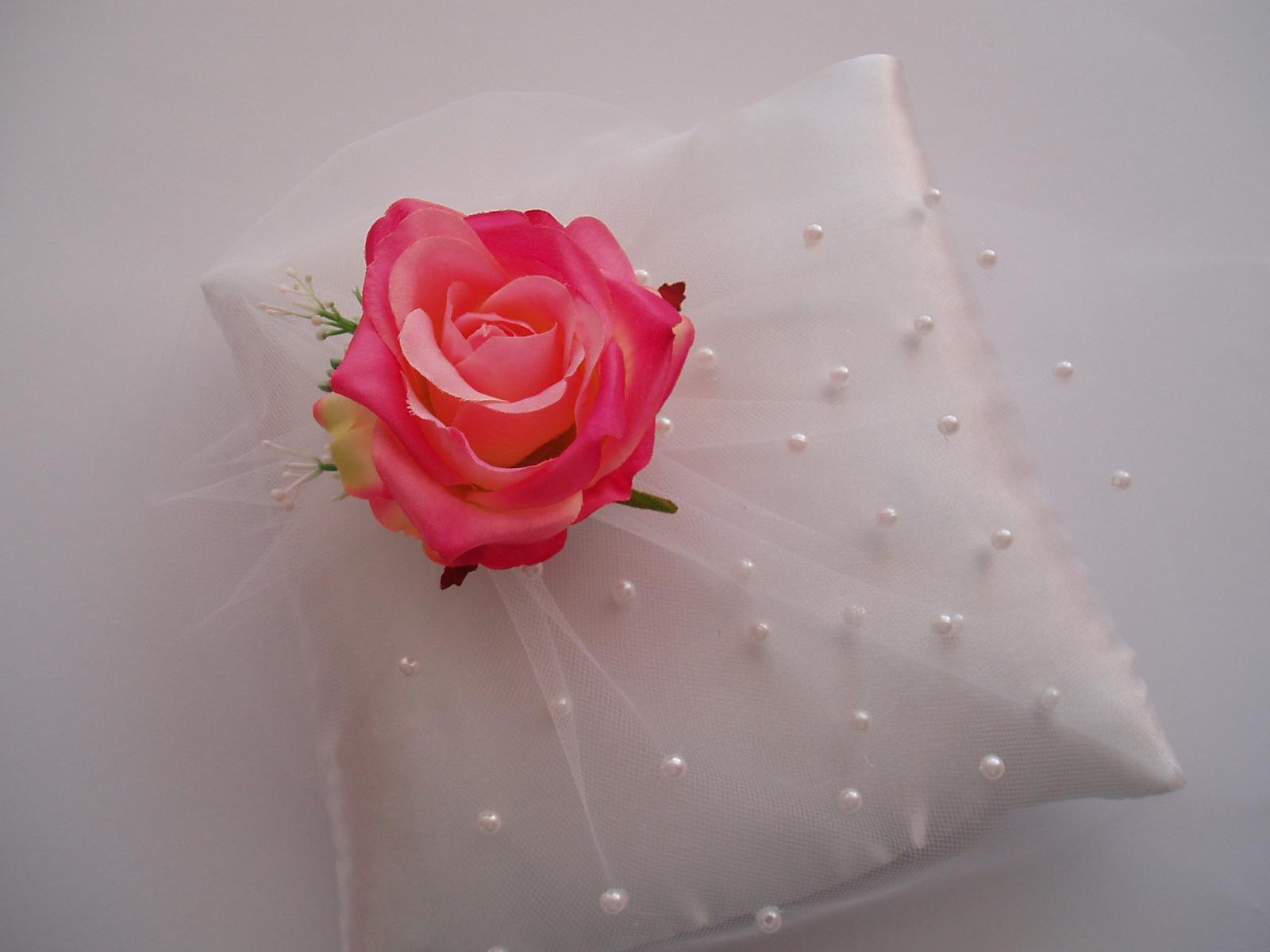 polštářek pod prstýnky-růžový - Obrázek č. 2