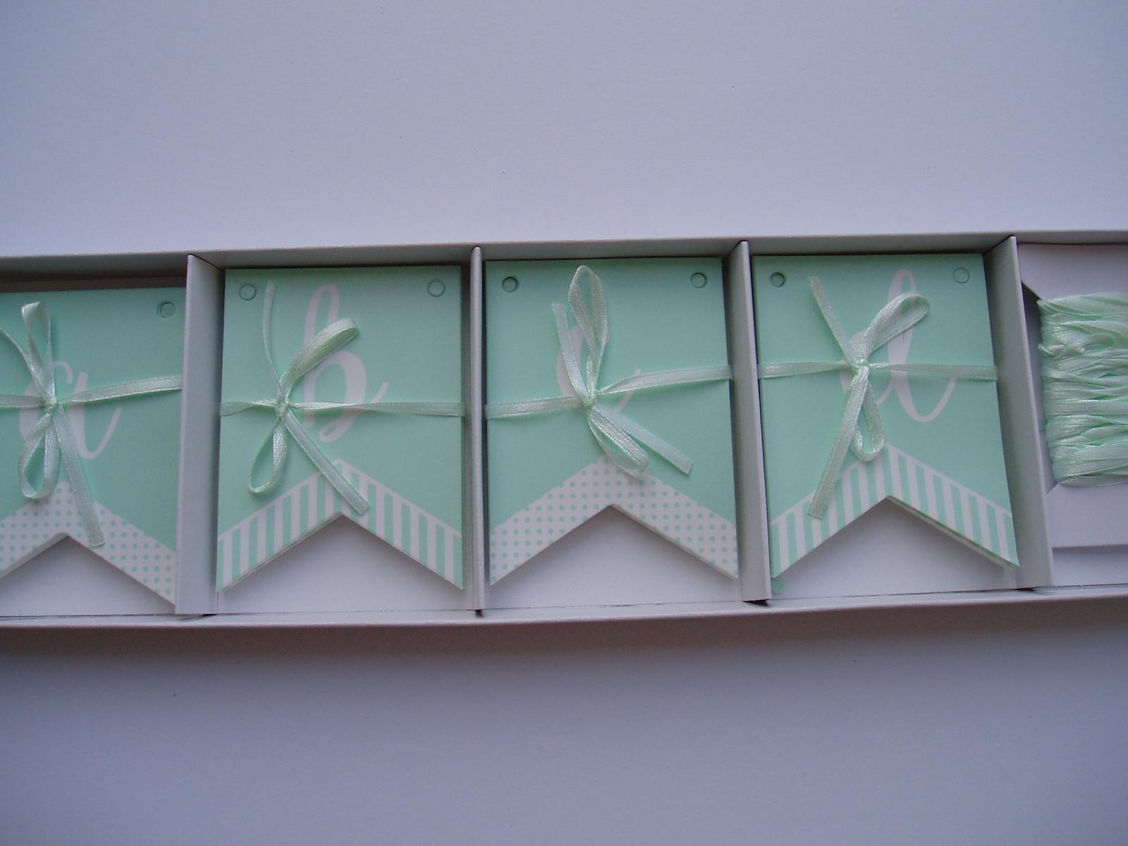 papírová girlanda mentolová - Obrázek č. 1