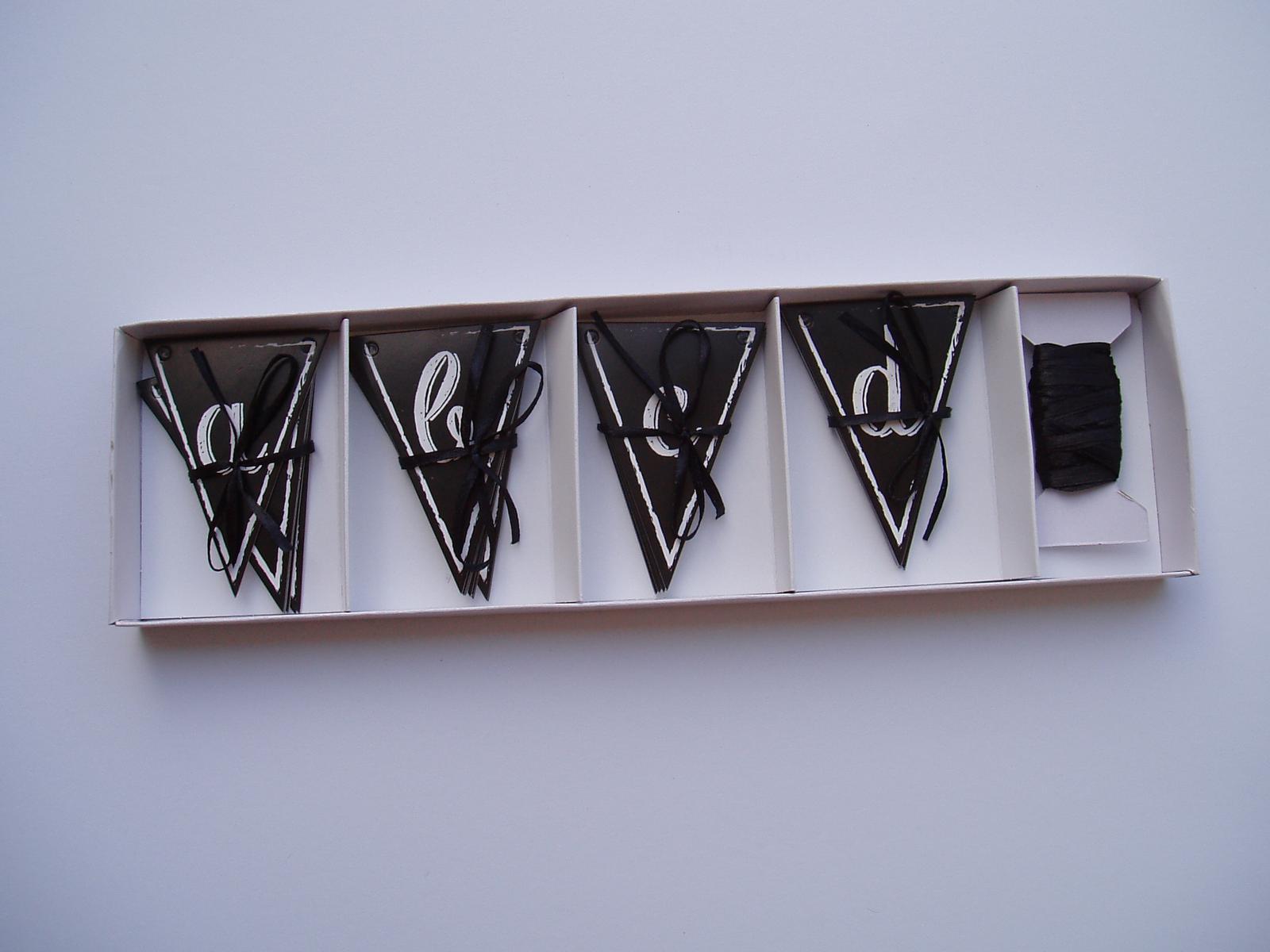 papírová girlanda-černá - Obrázek č. 1