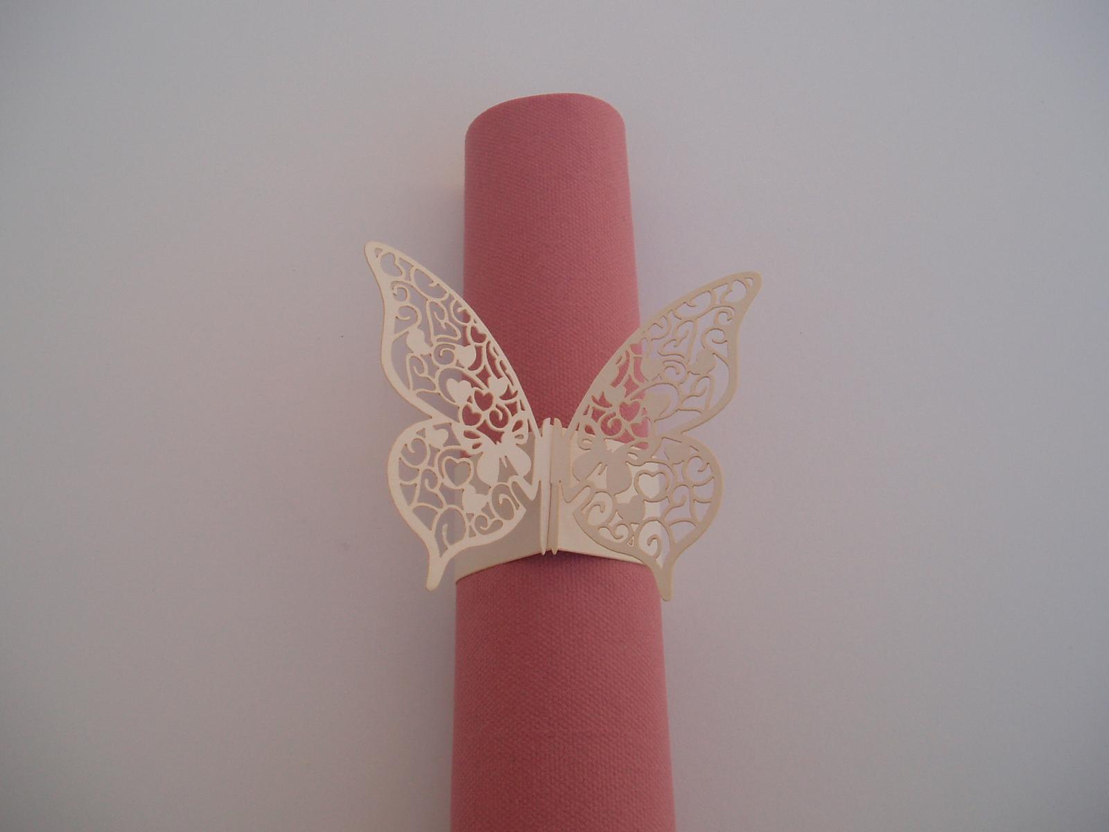 papírový kroužek na ubrousky-motýl - Obrázek č. 1