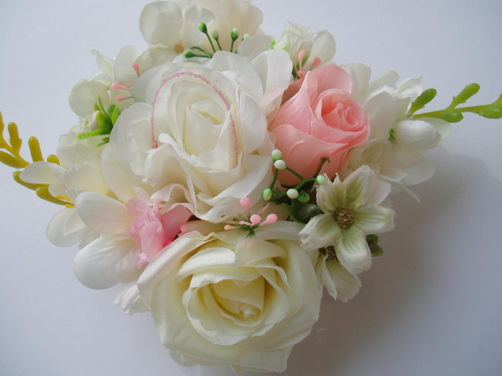 květinová dekorace - Obrázek č. 1