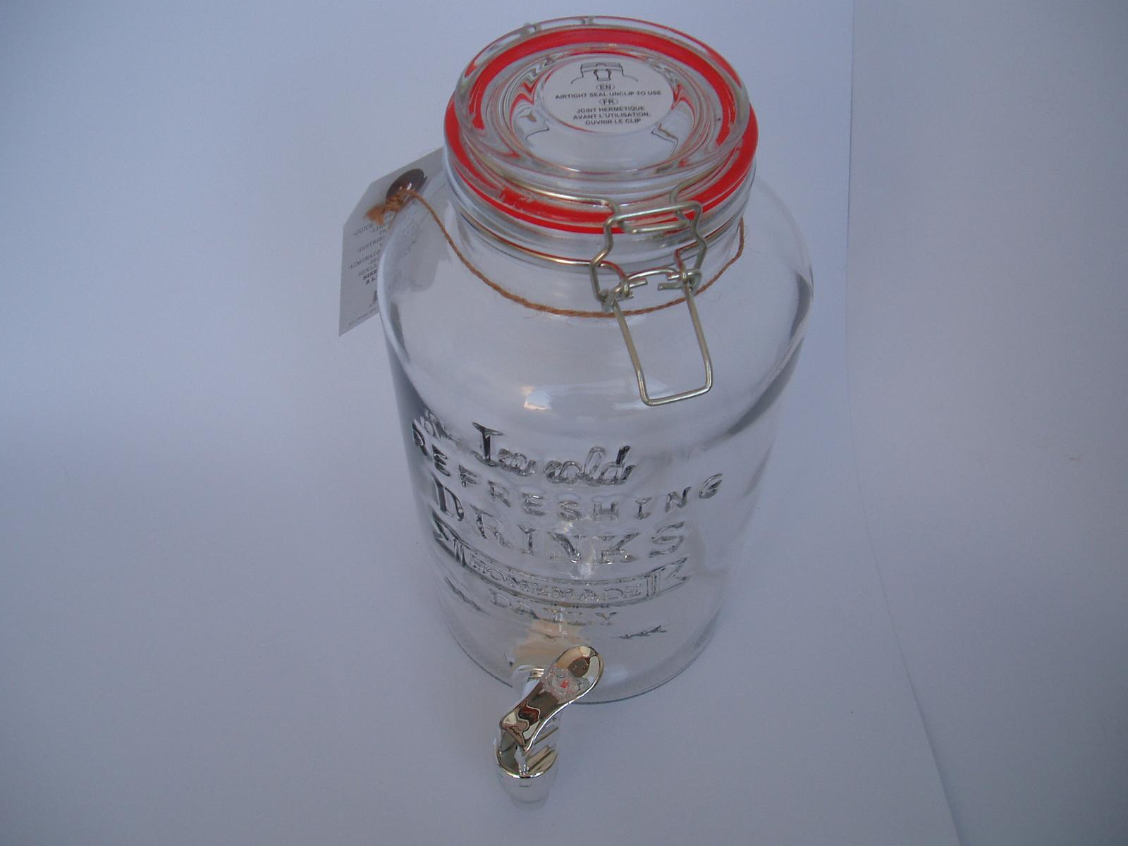 skleněná nádoba s kohoutkem - Obrázek č. 1